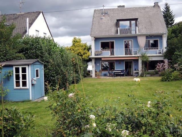 Sonniges Haus mit Kamin und Garten - 科布倫茨