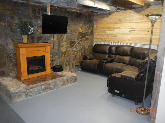Vacation home, minutes from Deadwood!! - Lead - Casa