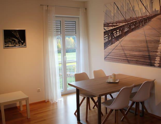 Very comfortable apartment near grafenwöhr - Freihung - Apartamento