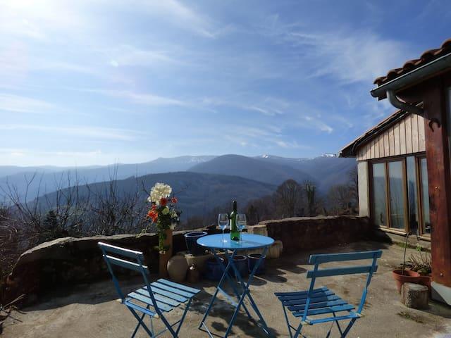 A charming farmhouse in stunning mountain location - Foix - Departamento