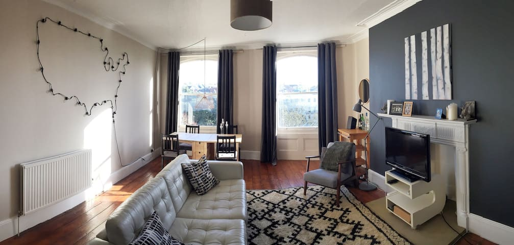 Double room with spacious lounge in Seven Dials - Brighton