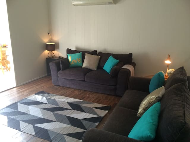 Store Keepers Cottage - Double Room - Ellalong