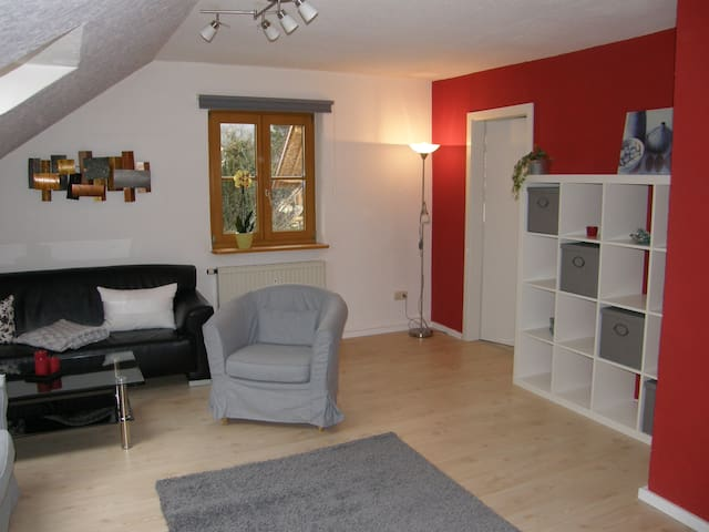 Cozy and fully equipped apartment - Peißenberg - Casa