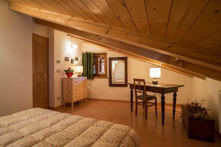 Camera mansardata a Peio, Val di Sole, Trentino - Peio - Apartamento