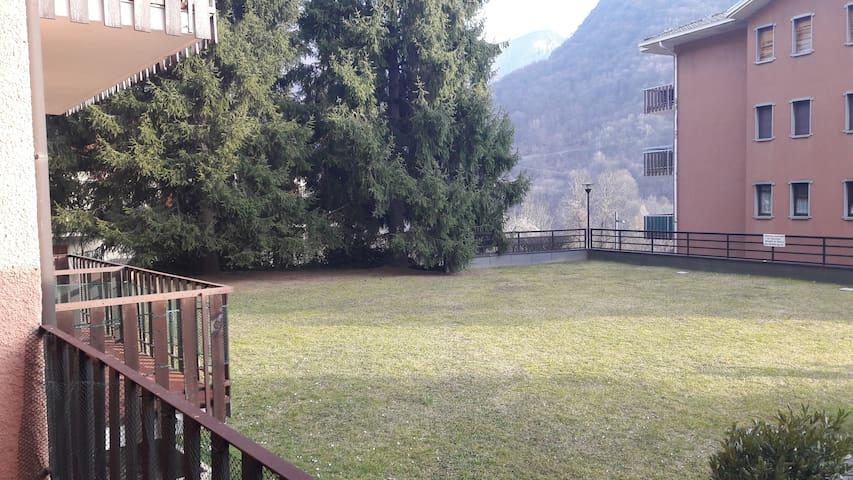 Un ottimo bilocale per piscina, sci e bike - Moggio - Apartament