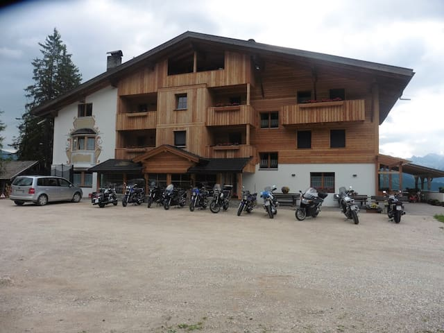 PENSION CHALET  FRAPES - San Martino in Badia - Bed & Breakfast