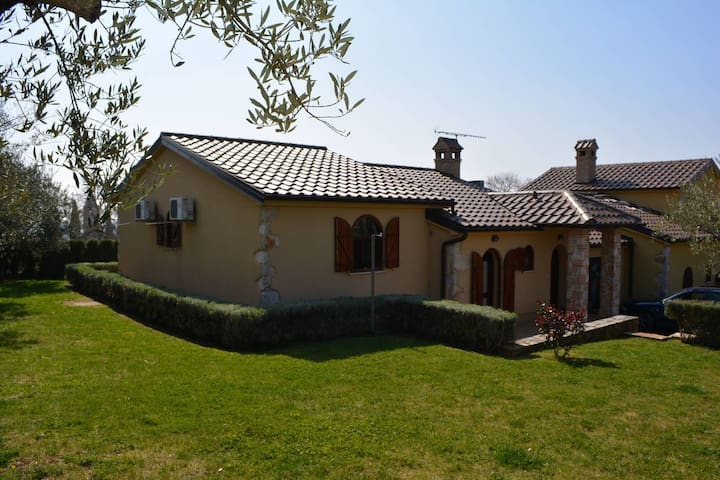 FANTASTIC MANSION HOUSE NEAR PARENZO AND CITTANOVA - Labinci - Adosado