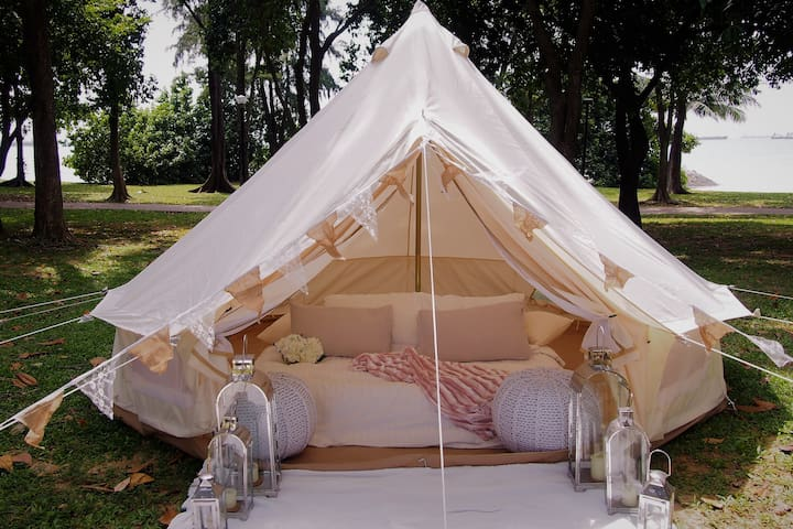 Glamping in Luxurious Bell Tent by the Sea - Singapur - Namiot