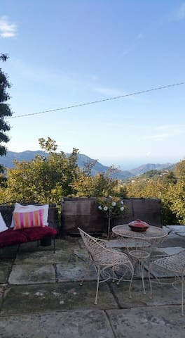 A Farmhouse. Mountain & sea views. - Santa Maria Lo Piano-san Silvestro - Hus