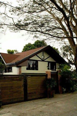 Tagaytay House for rent w/ Pool - Tagaytay - Huis