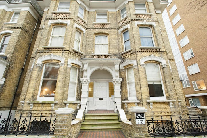 Airy double-room in Hove. - Hove - Leilighet