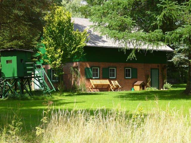 Moorkate-Uriges Jagdhaus im Grünen - Essel - Bangalô