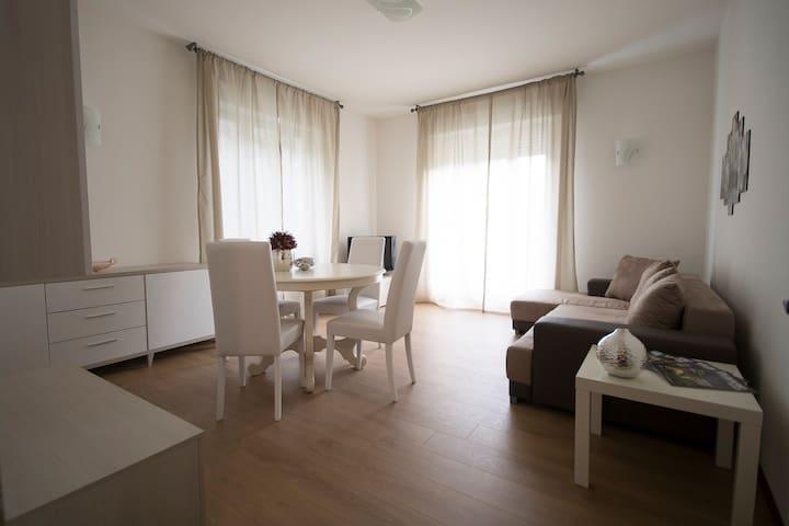 APPARTAMENTO REGINA CASA VACANZE - Chiavenna - Apartamento