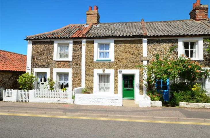 Greylag Cottage - a stone's throw from the Quay - Wells-next-the-Sea - Hus