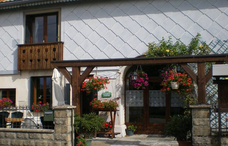 L'ESCAPADE   Chambres d'hôtes - Bonlieu - Guesthouse