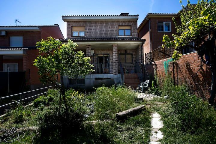 Habitaciones de chalet en Meco - Meco - Chalet