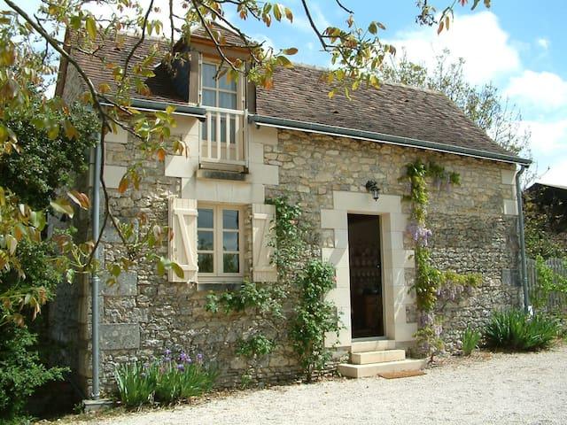 Loire valley nr Chenonceau romantic garden cottage - Saint-Georges-sur-Cher