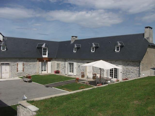 Maison Carmou - Avezac-Prat-Lahitte - Casa