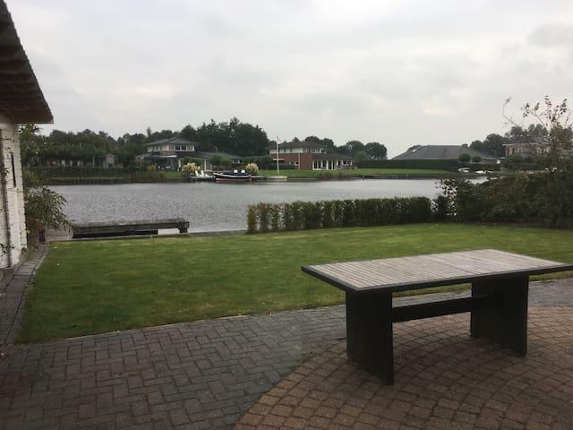 Villa aan het water voor 2 - 8 personen - Kropswolde - 別墅