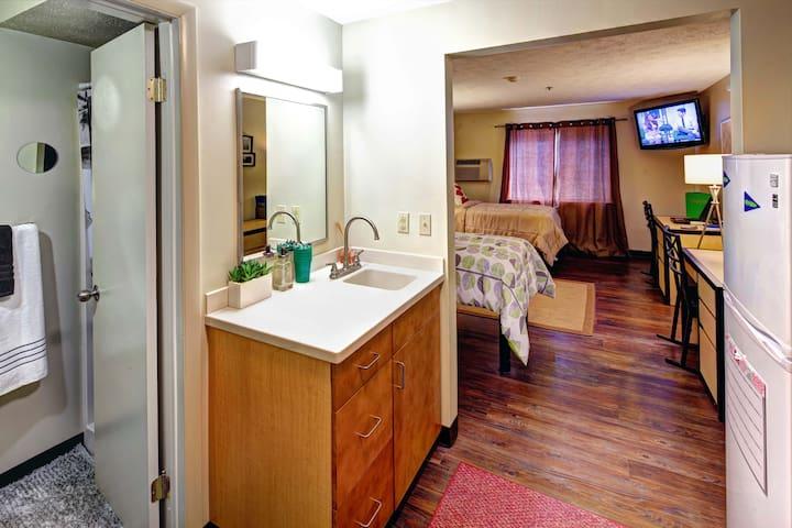 Campus Gate Apartments - Canandaigua - Leilighet