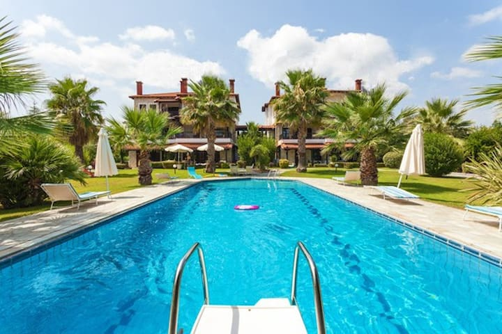 Fully equipped, 2 bedrooms pool house - Kriopigi - Huis