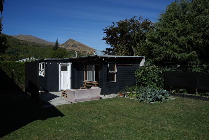 Private guest house, perfect location! - Arrowtown - Guesthouse