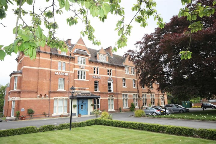 Luxury Apartment - Free Parking - Gated Grounds - Royal Leamington Spa - Apartamento