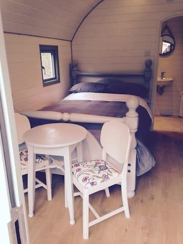 SleepySquirrel Pod, Luxury heated Ensuite& kitchen - Ilkley - Blockhütte