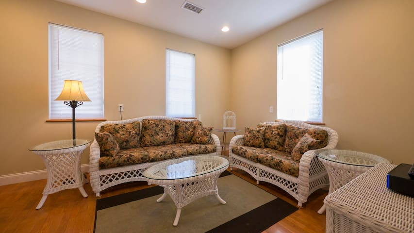 King of Prussia, Valley Forge, 2nd Floor, 3 BR Apt - King of Prussia - Departamento