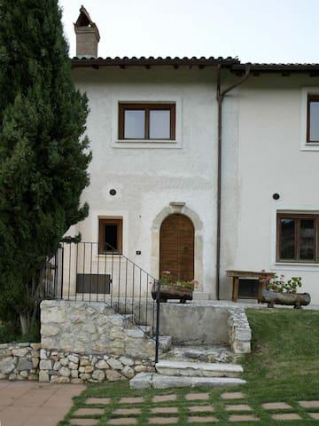 Appartamenti vicino Campo Felice - Santa Anatolia - Apartemen