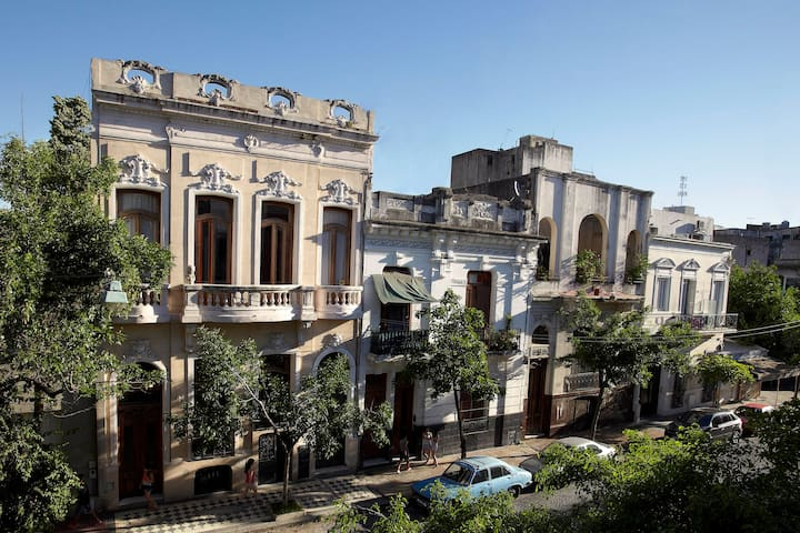 Beautiful guestroom with own terrace in palazetto - Buenos Aires - Gjestehus
