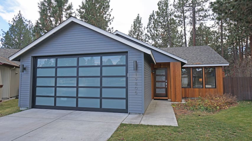 Modern Getaway for Couples in West Side Bend - Bend - Dom