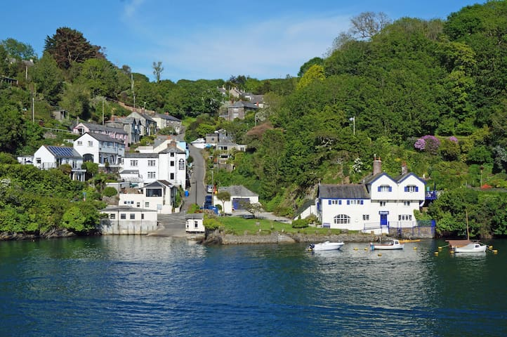 River Views on the waters edge - Fowey