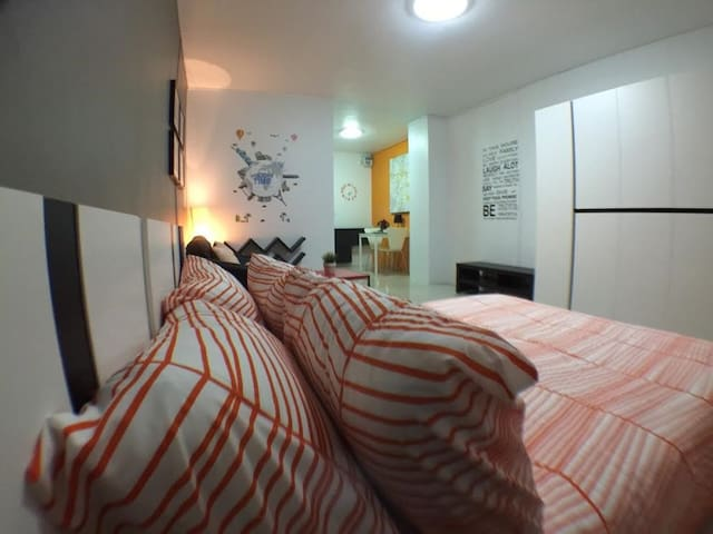 rooms in the city center/near mrt - Bangkok - Apartament