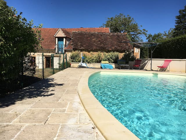 Vacation home with pool in France - Cavagnac - Huis
