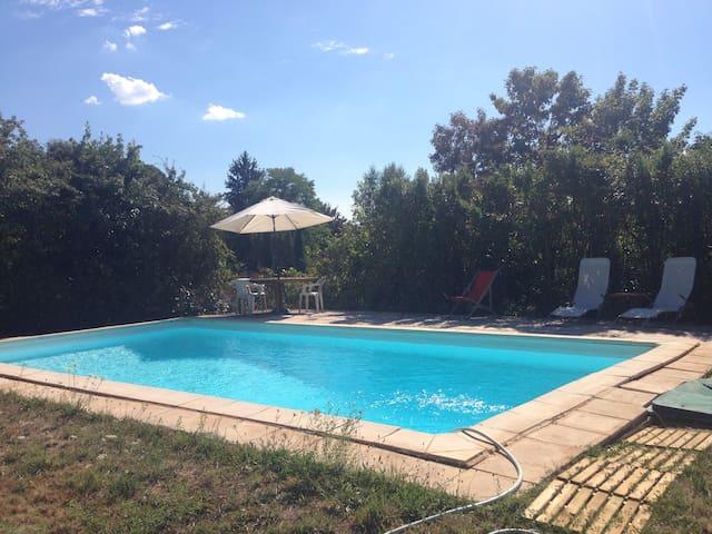 Gîte 8 pers avec piscine privée et Wifi - Parnac - Ev