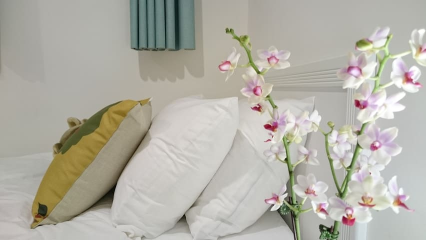 Bright and Homey Room(AirportMRT Sanchong Station) - Sanchong District - Appartement