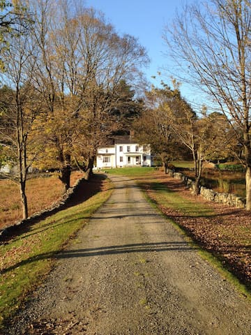 19 acre country estate, ~1 hour from NYC. - Katonah - Casa