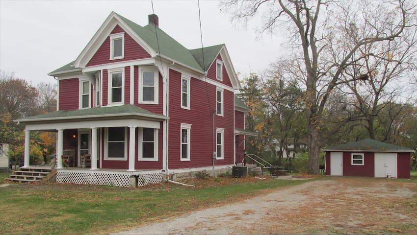 The Farm House in Plattsburg, MO - Plattsburg - Huis