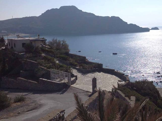 Lots of privacy and amazing view in Plakias - Plakias - Ev