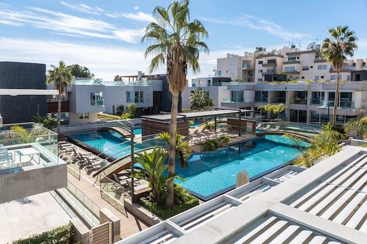 NEW! Carmencita Sea View Studio with Pool & Spa - Germasogeia - Leilighet