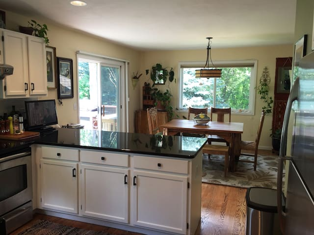 Your own floor! Big bright airy house & patio 4U - Boulder - Huis