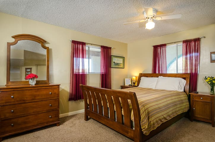 Lake Room at The Roost - Claypool - Hus
