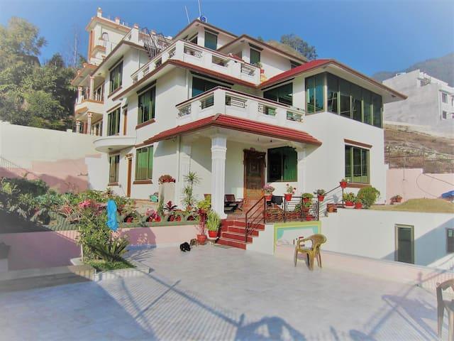 Budhanilkantha - Entire top floor - Budhanilkantha