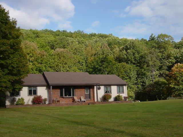 River Road Callicoon Rental House - Callicoon - Maison