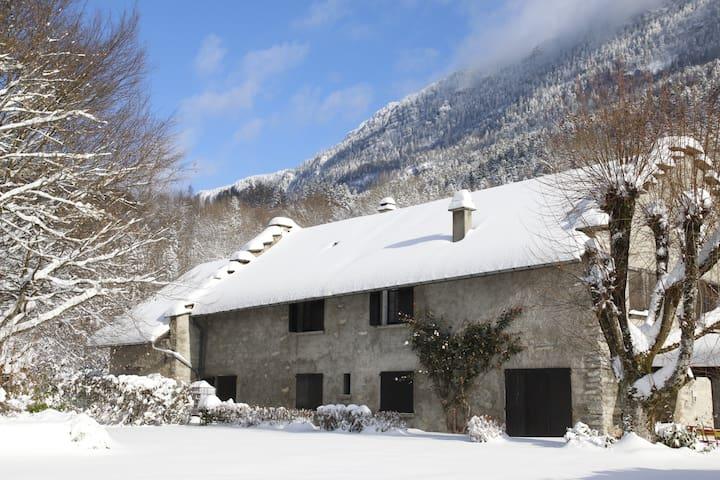 Chambre (n°1) avec cuisine et salon indépendants - Saint-Jean-de-Couz