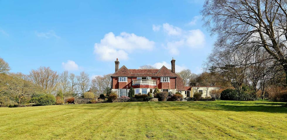 Beautiful detached sussex house set in 5 acres - Boarshead - Hus