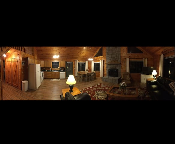 Beautiful Log Cabin in the Smoky Mountains - Sevierville