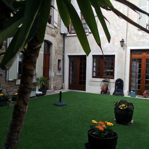 Bel appartement T3 meublé 100m² - Wassy - Квартира