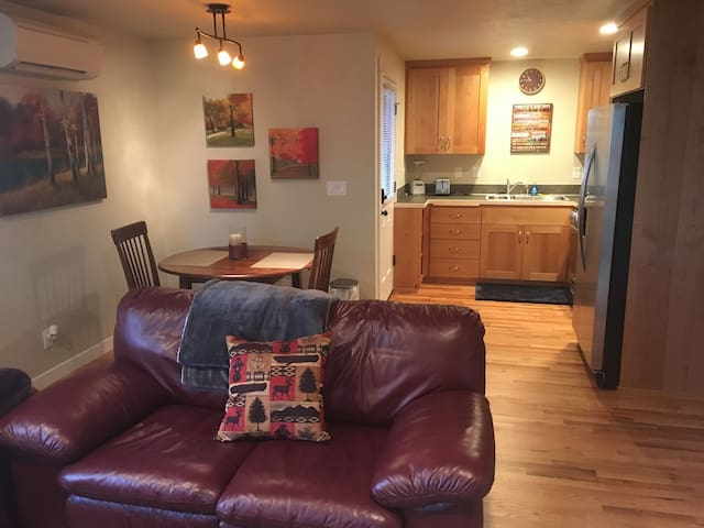 Private apartment...great for a couples getaway. - Eugene - Apartamento